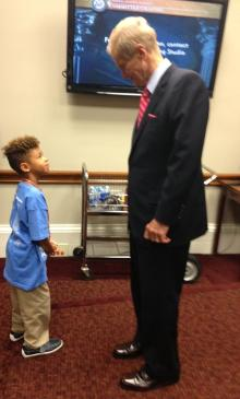 Chairman Nelson meets Walker Allen at the Committee's Diabetes hearing.